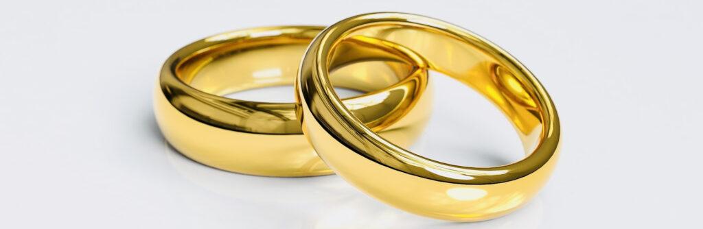 Maestro de ceremonias, anillos